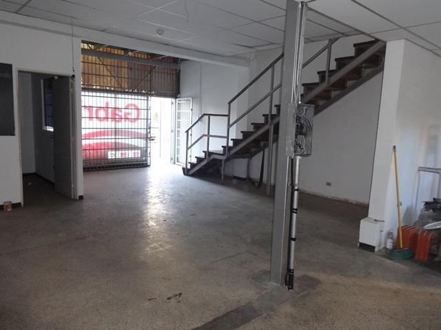 Local Comercial En Venta En Caracas - La Urbina Código FLEX: 18-4103 No.4