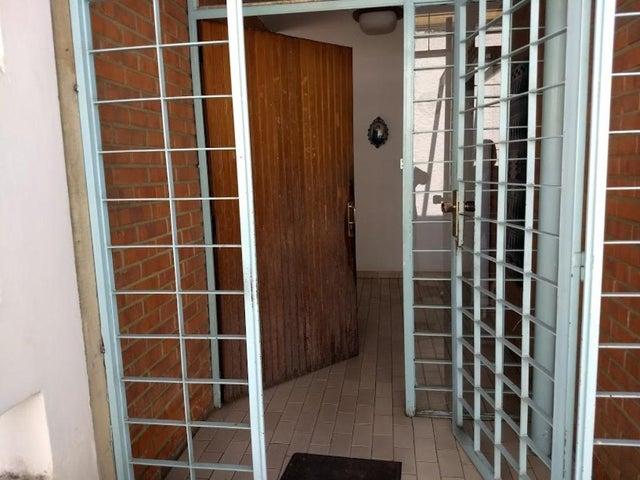 Casa En Venta En Caracas - La California Sur Código FLEX: 18-4070 No.1