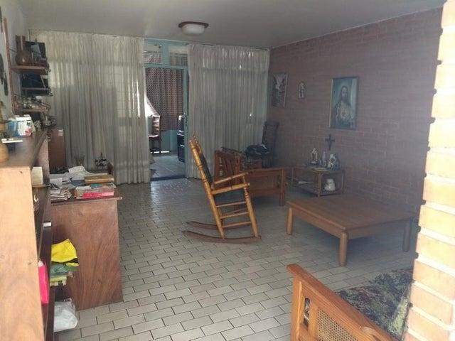 Casa En Venta En Caracas - La California Sur Código FLEX: 18-4070 No.3