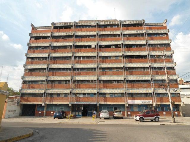 Oficina En Venta En Maracay - Calicanto Código FLEX: 18-4121 No.1