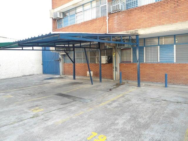 Oficina En Venta En Maracay - Calicanto Código FLEX: 18-4121 No.2