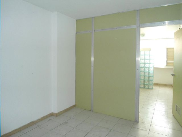 Oficina En Venta En Maracay - Calicanto Código FLEX: 18-4121 No.9