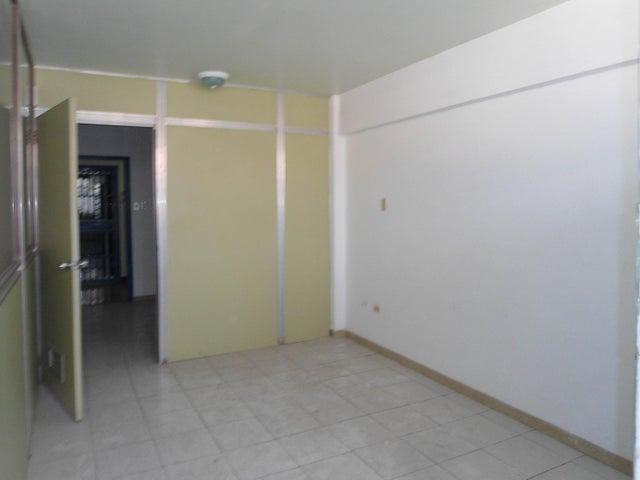 Oficina En Venta En Maracay - Calicanto Código FLEX: 18-4121 No.11