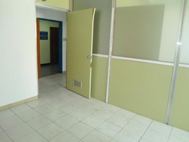 Oficina En Venta En Maracay - Calicanto Código FLEX: 18-4121 No.12