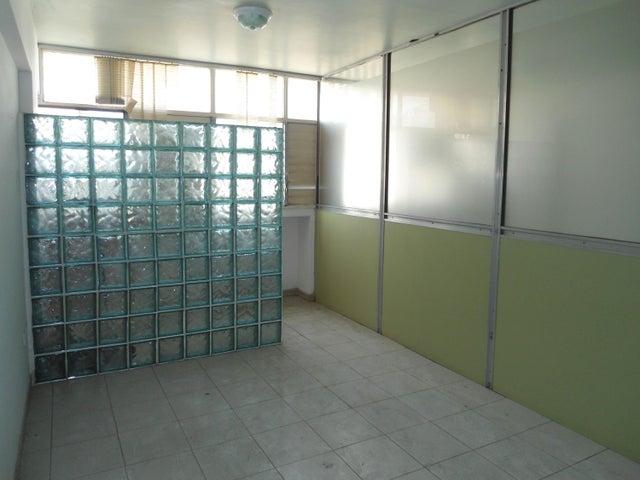 Oficina En Venta En Maracay - Calicanto Código FLEX: 18-4121 No.14