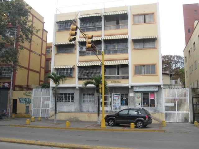 Apartamento En Venta En Caracas - Las Acacias Código FLEX: 18-4140 No.0