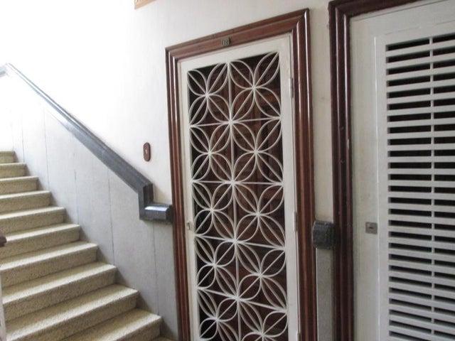 Apartamento En Venta En Caracas - Las Acacias Código FLEX: 18-4140 No.12