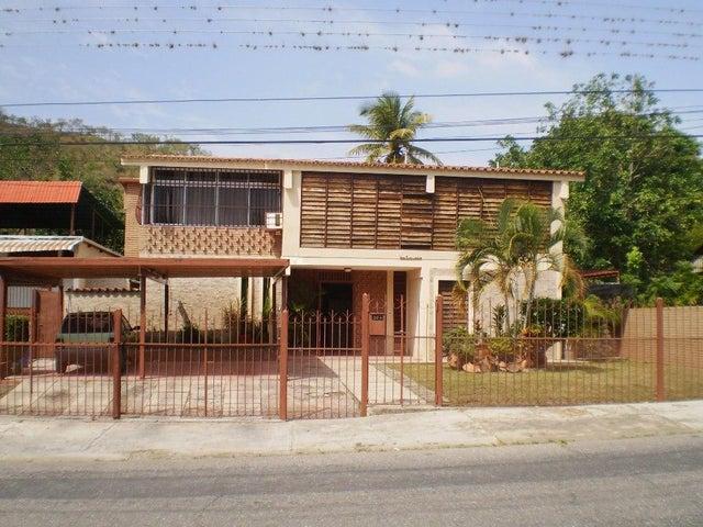 Casa En Venta En Maracay En El Limon - Código: 18-4358