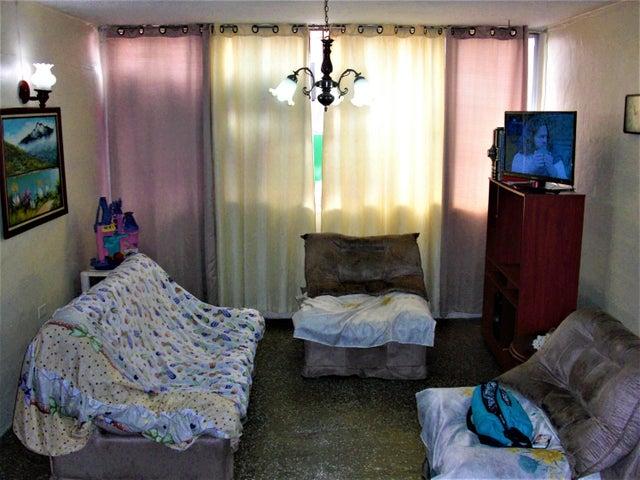 Apartamento En Venta En Caracas - Parroquia 23 de Enero Código FLEX: 18-4443 No.4