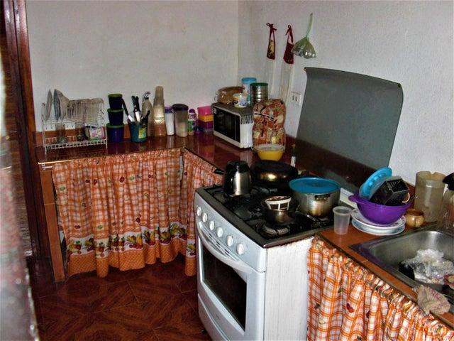 Apartamento En Venta En Caracas - Parroquia 23 de Enero Código FLEX: 18-4443 No.9