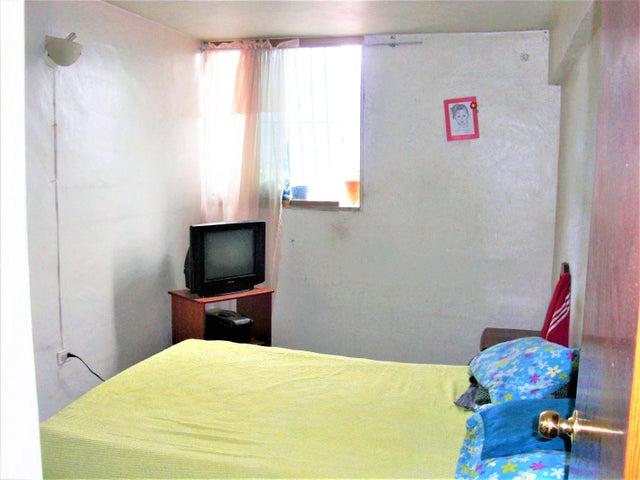 Apartamento En Venta En Caracas - Parroquia 23 de Enero Código FLEX: 18-4443 No.15