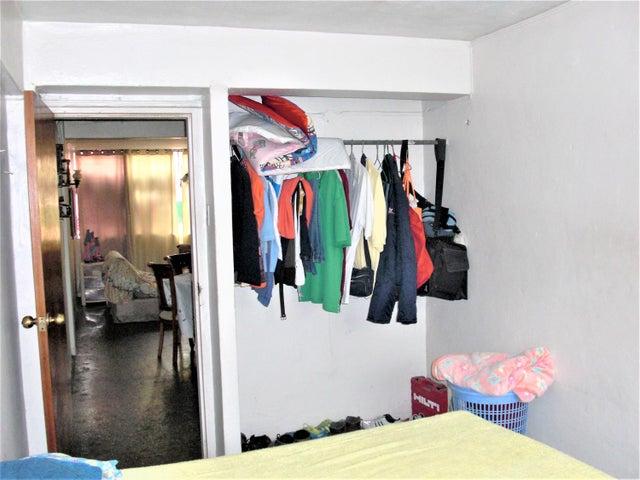 Apartamento En Venta En Caracas - Parroquia 23 de Enero Código FLEX: 18-4443 No.17