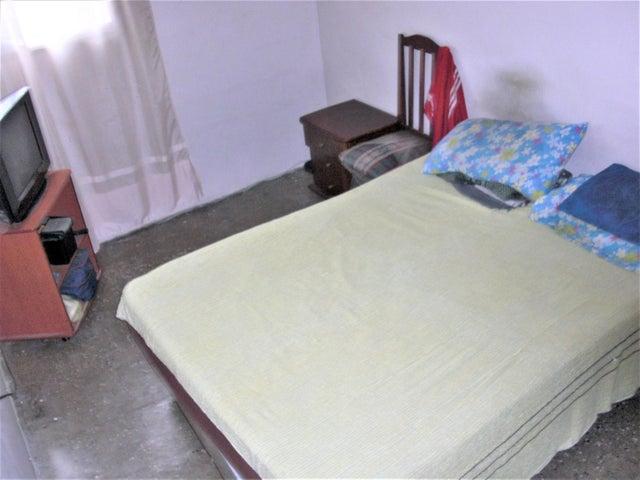 Apartamento En Venta En Caracas - Parroquia 23 de Enero Código FLEX: 18-4443 No.16