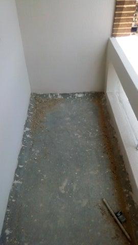 Apartamento En Venta En Maracay En Base Aragua - Código: 18-5007