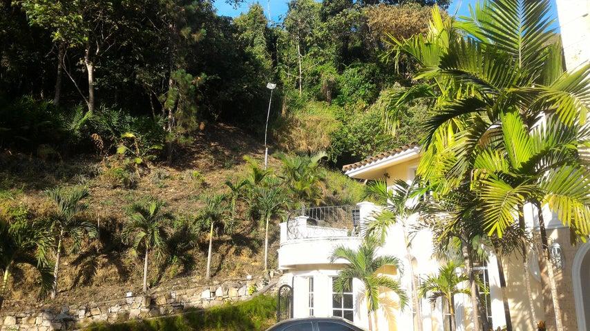 Townhouse En Venta En Maracay - Lomas de Palmarito Código FLEX: 18-5065 No.5