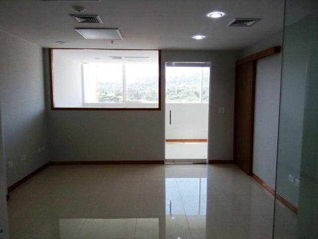 En Alquiler En Caracas - Las Mercedes Código FLEX: 17-12816 No.8