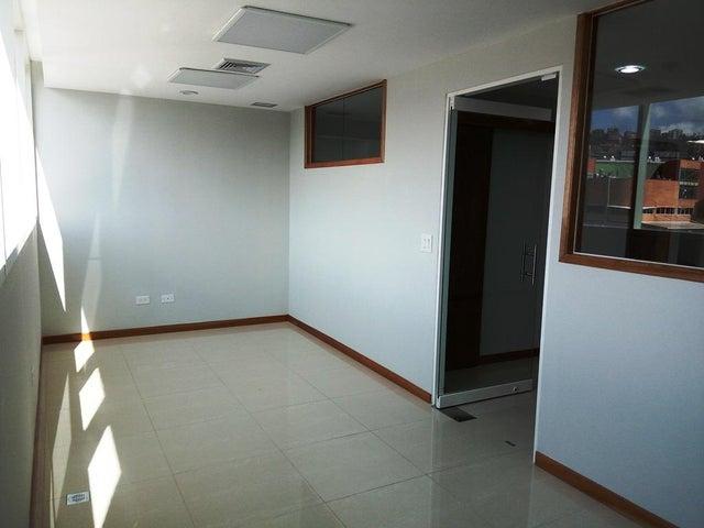 En Alquiler En Caracas - Las Mercedes Código FLEX: 17-12816 No.9