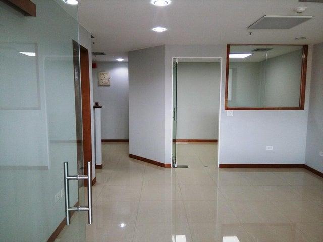 En Alquiler En Caracas - Las Mercedes Código FLEX: 17-12816 No.4