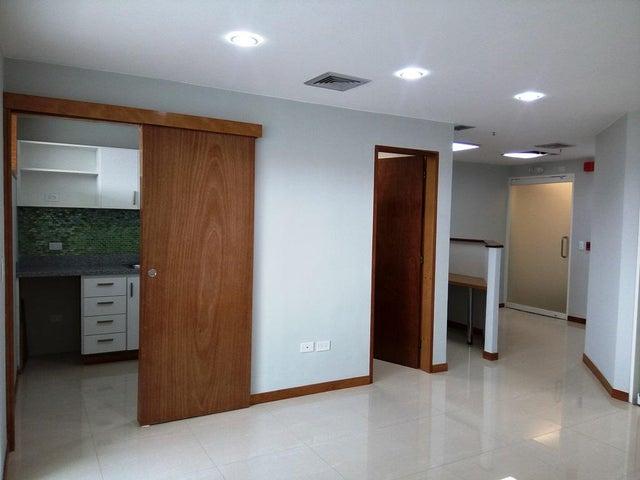 En Alquiler En Caracas - Las Mercedes Código FLEX: 17-12816 No.5