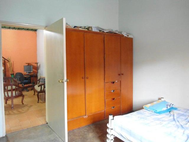Casa En Venta En Maracay - La Pedrera Código FLEX: 18-5411 No.15
