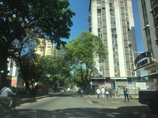 Negocio o Empresa En Venta En Caracas - El Paraiso Código FLEX: 18-5553 No.11