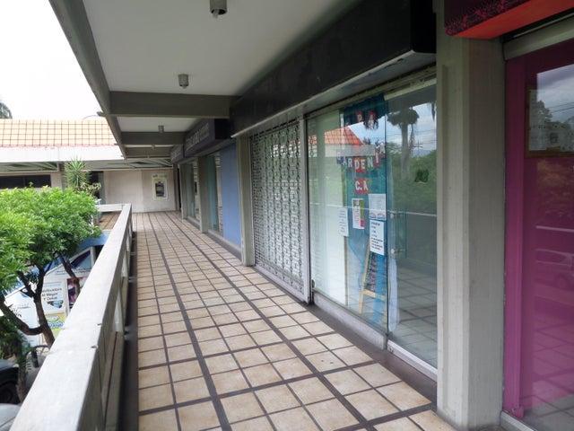 Local Comercial En Venta En Maracay En Urbanizacion El Centro - Código: 18-6355