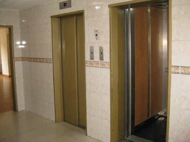 Apartamento En Venta En Maracay - Calicanto Código FLEX: 18-6811 No.2