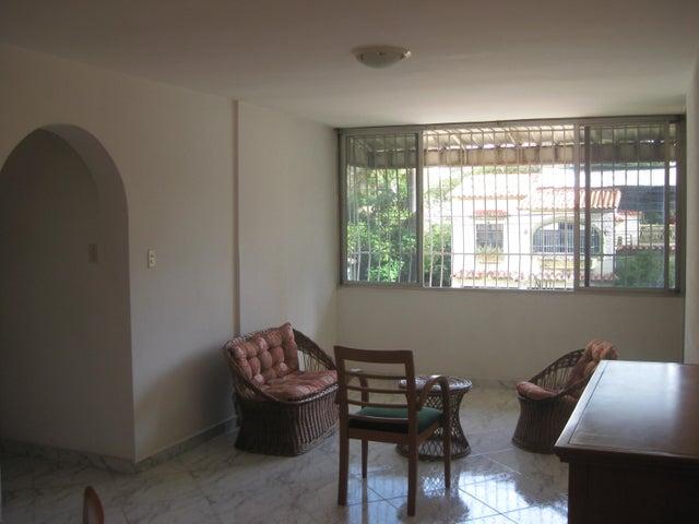 Apartamento En Venta En Maracay - Calicanto Código FLEX: 18-6811 No.4