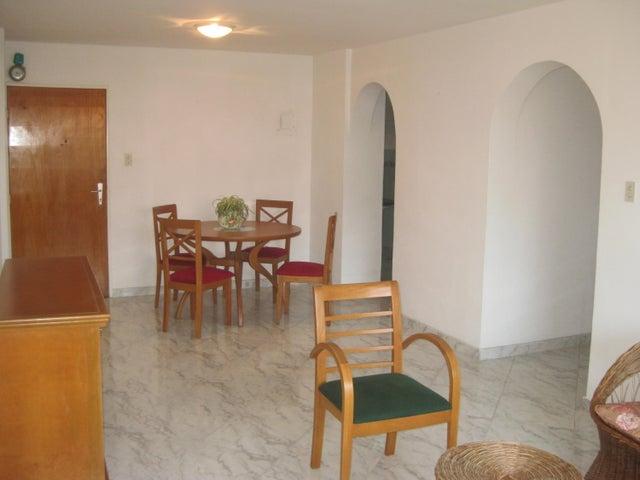 Apartamento En Venta En Maracay - Calicanto Código FLEX: 18-6811 No.8