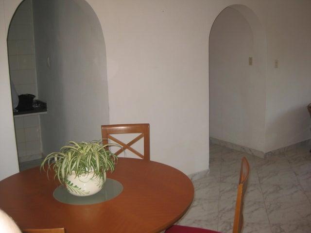 Apartamento En Venta En Maracay - Calicanto Código FLEX: 18-6811 No.9