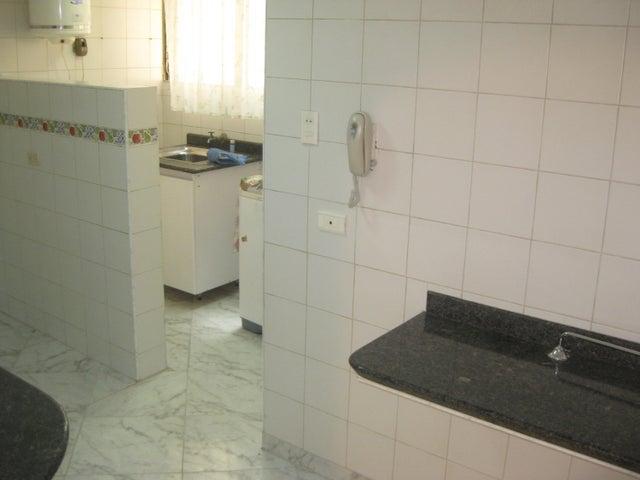 Apartamento En Venta En Maracay - Calicanto Código FLEX: 18-6811 No.10