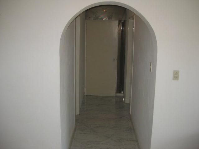 Apartamento En Venta En Maracay - Calicanto Código FLEX: 18-6811 No.15