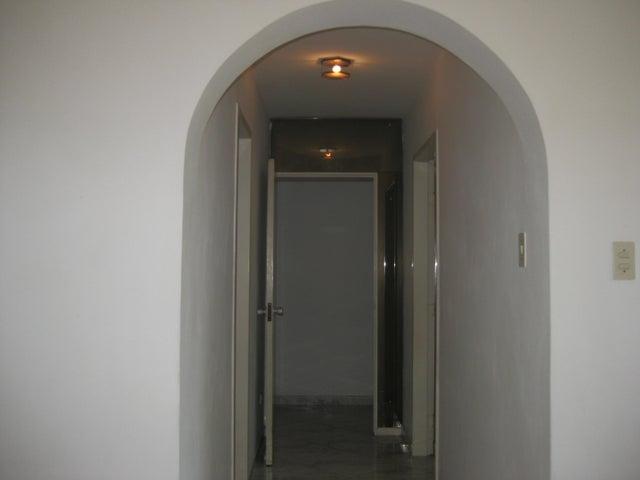 Apartamento En Venta En Maracay - Calicanto Código FLEX: 18-6811 No.16