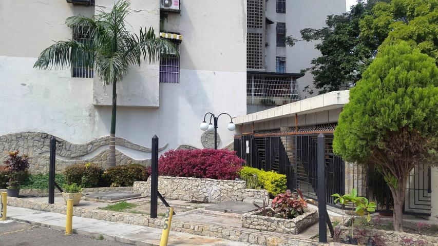 Apartamento En Venta En Maracay - Urbanizacion El Centro Código FLEX: 18-7063 No.3