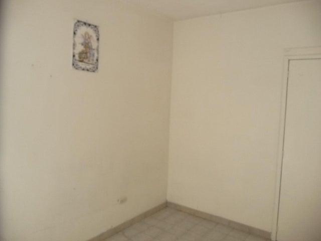 Apartamento En Venta En Maracay - Urbanizacion El Centro Código FLEX: 18-7063 No.14