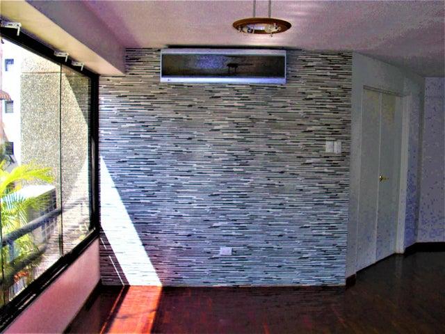 Apartamento En Venta En Caracas - Sabana Grande Código FLEX: 18-7173 No.2