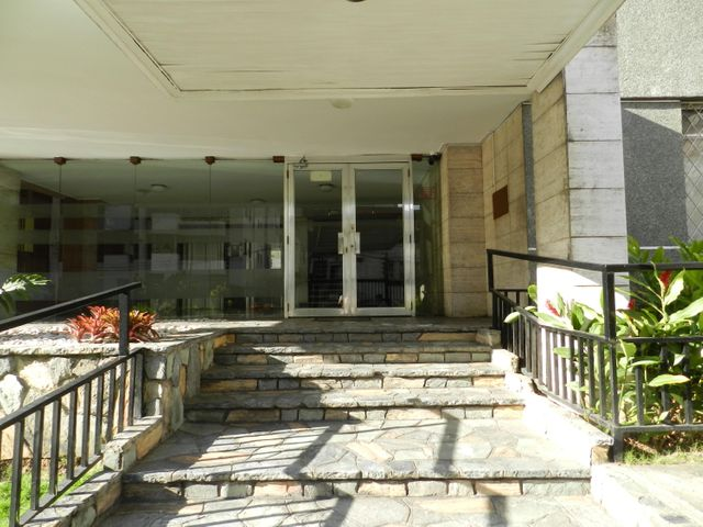 Apartamento En Venta En Caracas - Los Palos Grandes Código FLEX: 18-7361 No.1
