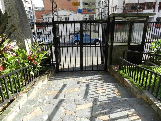 Apartamento En Venta En Caracas - Los Palos Grandes Código FLEX: 18-7361 No.3