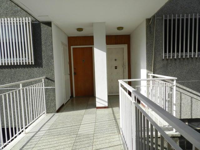 Apartamento En Venta En Caracas - Los Palos Grandes Código FLEX: 18-7361 No.8