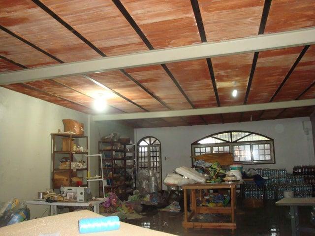 Local Comercial En Venta En Maracay En Santa Rosa - Código: 18-7635