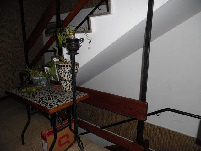 Apartamento En Venta En Caracas - Los Palos Grandes Código FLEX: 18-7840 No.4