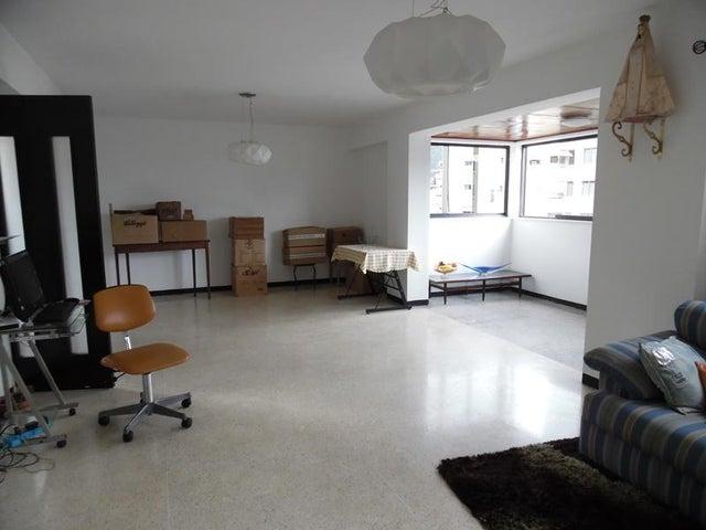 Apartamento En Venta En Caracas - Los Palos Grandes Código FLEX: 18-7840 No.5