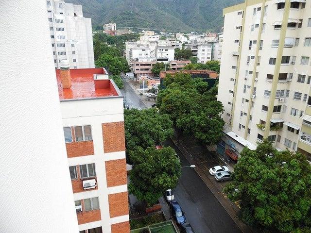 Apartamento En Venta En Caracas - Los Palos Grandes Código FLEX: 18-7840 No.10