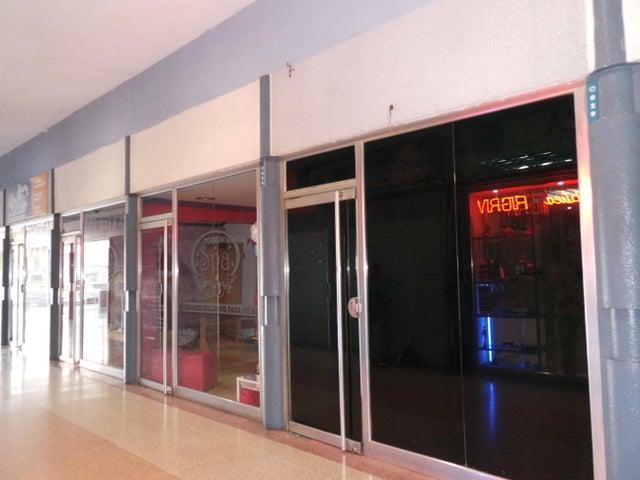Local Comercial En Venta En Maracay En La Barraca - Código: 18-7708