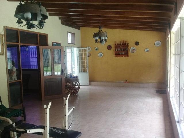 Casa En Venta En Maracay En El Castano (Zona Privada) - Código: 18-7729