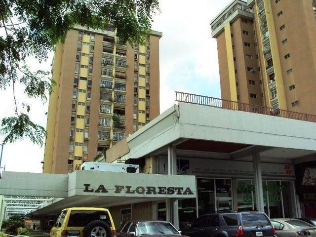 Apartamento En Venta En Maracay - La Floresta Código FLEX: 18-7765 No.1