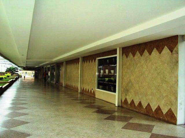 Apartamento En Venta En Maracay - La Floresta Código FLEX: 18-7765 No.3
