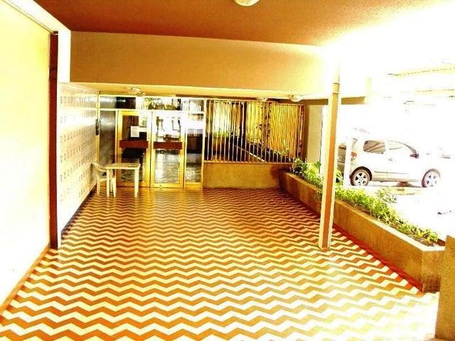 Apartamento En Venta En Maracay - La Floresta Código FLEX: 18-7765 No.4