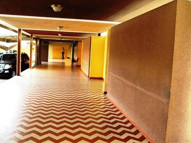 Apartamento En Venta En Maracay - La Floresta Código FLEX: 18-7765 No.5