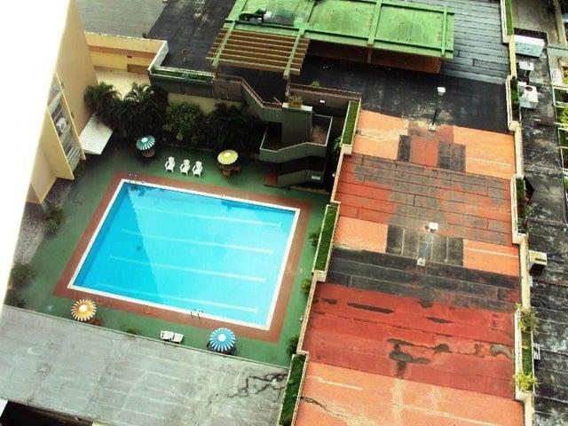 Apartamento En Venta En Maracay - La Floresta Código FLEX: 18-7765 No.7